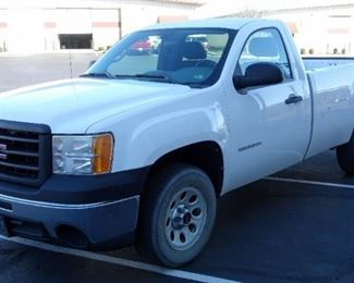 2010 GMC Sierra Two Door Cab Work Pickup Truck, 8' Bed, V6, 4.3L, RWD, 146,488 Miles, VIN # 1GTPCTEX7AZ199249