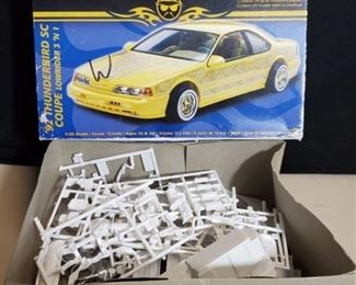 Revell 1992 Thunderbird Sc Coupe L/r 1/25 Scale Kit 85-2832