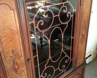 1935 China Cabinet Detailmin