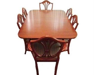 Drexel Dining Room Table & Chairs