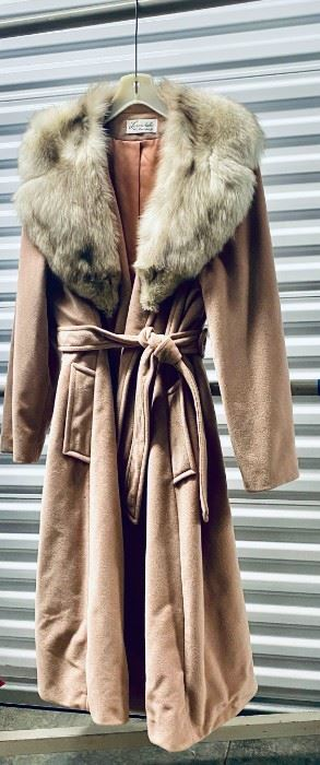 Beautiful, Vintage, Lorendale by Bromleigh Womens Fur Coat