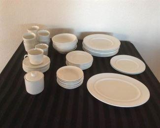 Johnson Bros Dish Set