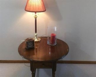 Round Drop Leaf End Table