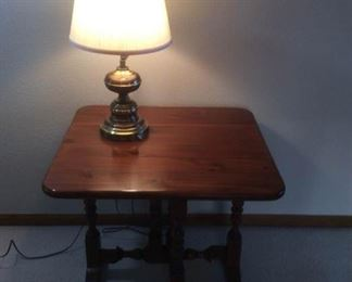 Small Drop Leaf Table Lamp