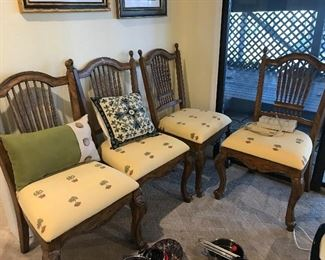 Four very nice Dining Room Chairs or kitchen chairs
