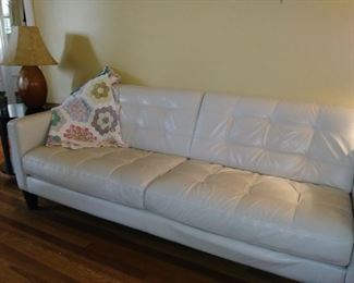 White leather sofa - beautiful condition