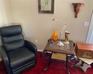 Electric recliner chair in excellent condition