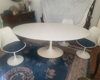 vintage Knoll Saarian Oval.6ft table with 6 chairs