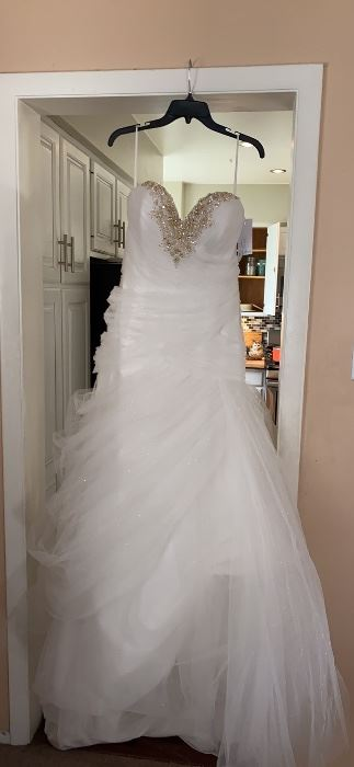 Disney Fairytale Wedding Dress Belle - Size 14
