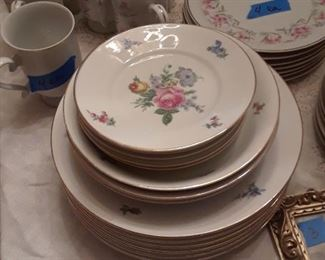 Another set of porcelain plates