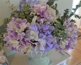 Floral arrangement with hydrangeas