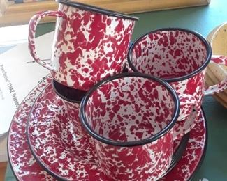 Graniteware in red