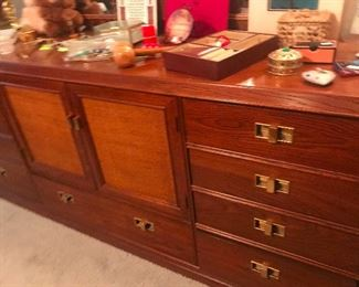 Thomasville Mid Century 3 piece Bedroom Suite Dresser