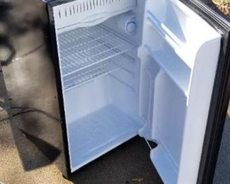 Appartment size fridge