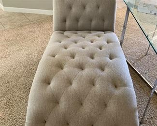 $525 ~ CUSTOM UPHOLSTERED FAINTING COUCH