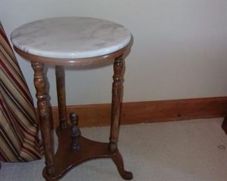 VICTORIAN Table w/Marble Top