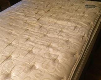 queen sleep number bed-works fine