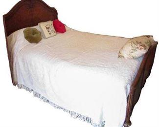 Full-Size Bed / Head Board