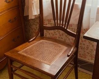 CLEARANCE  !  $10.00 NOW, WAS $30.00..............Vintage Cane Seat Chair (P324)