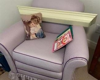 This is the perfect finish to a little girl's room.