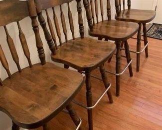 4 matching bar stools.