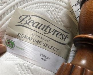 Simmons Beautyrest mattress (Full)