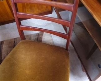 FUrniture MCM Chairs for table