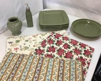 127Longaberger Pottery  Placemat Sets