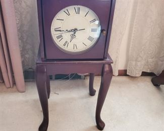 Clock Table with Storage