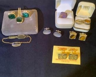 Damasquinado Cuff Links and Gold Bands
