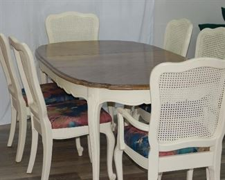 Dining table and 8 chairs with leaf