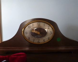 Working electric mantle clock!
