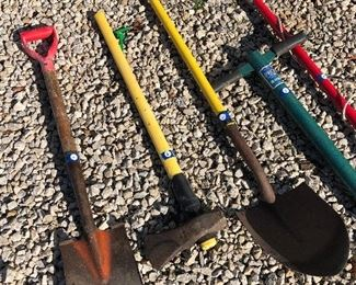 #6) $30 - Lot of 5 items including a steel shovel, a maul tool, a ProPlugger tool, an extendable manual tree lopper/pruner saw, and a 4-foot scoop shovel
