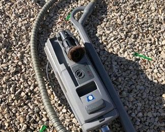#11) $40 - Electrolux canister protable vaccuum, epic model, series 6500, with attachments