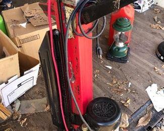 #34) $65 - Electric log splitter