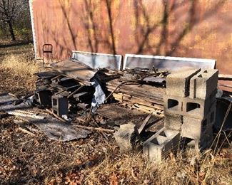 #64) $20 - Everything in the photo,  Cinder blocks, Wood Pallets, scrap wood.