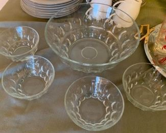 Vintage pressed glass large serving bowls and matching individual bowls, 2 large bowls and 7 small available