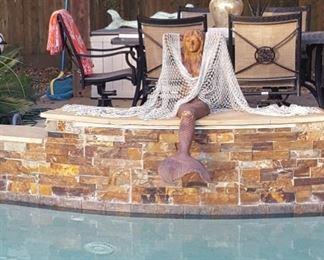 Heavy mermaid décor