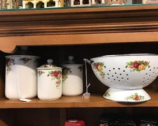 """Royal Albert """"Old Country Rose"""" Colander and Cannister Set"""