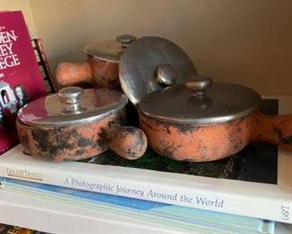 Covered terra-cotta soup bowls