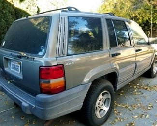 1996 Jeep 4x4 Grand Cherokee  Leather seats Runs very good No dents or accidents  112,586 miles