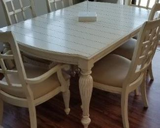 Handsome & sturdy dining set with 6 chairs