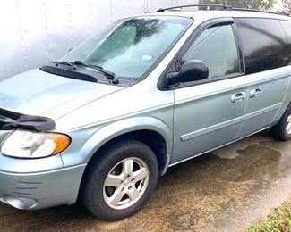 2005 Grand Dodge Caravan, 81,552 miles, power windows and door, sunroof, entertainment system, V6