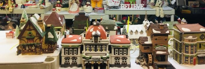 Dept. 56 Christmas Victoria Station / Village