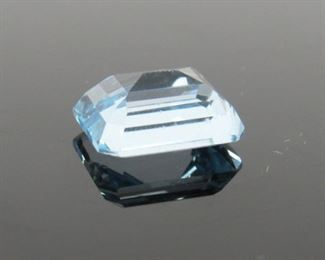 Stone: Sky Blue Topaz Type: Stone Weight (ct): 4 ct Located in: Chattanooga, TN Octagon Cut