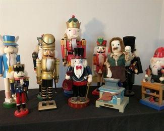 10 wooden characters Nutcracker