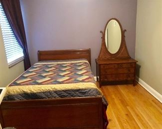 Beautiful Full-Size Bed, Clean Mattress & Matching Small Dresser with Mirror