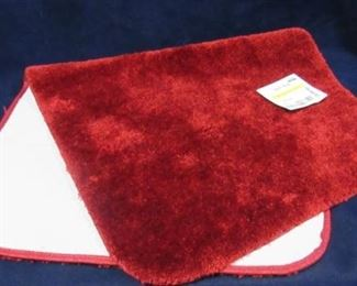 Chili red bath rug 24in X 40in