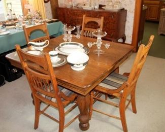 Oak Table with 1 Leaf & 4 Chairs