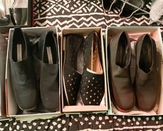 Women's Shoes (Sizes range from 8 to 9-1/2 with the majority being size 9) - A sampling is shown here